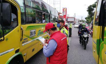 Con acompañamiento de la Policía Metropolitana y las autoridades de tránsito, el AMB verifica las condiciones de operación y los protocolos de bioseguridad en el Transporte Público Colectivo -TPC-