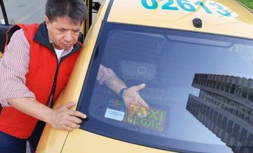 Conozca los requisitos solicitados por el AMB para realizar el retiro y asignación de códigos de identificación para vehículos de transporte público individual (calcomanía de taxi legal)