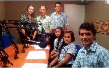 Niños y jóvenes de la comuna dos enseñan a reciclar a través de la radio